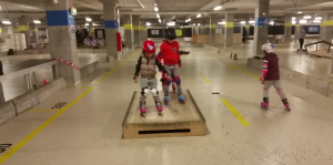 dzieciaki na skateparku rollschool